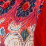 Yoga - Harmensbukse med røde og hvite detaljer nr 3