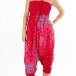 Rødfarget haremsbukse med motiv. Bra for yoga.