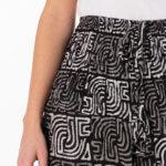 Haremsbukser med sorte og hvite firkanter